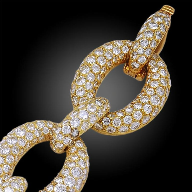 Women's or Men's 1970s Van Cleef & Arpels Diamond Gold Link Bracelet For Sale