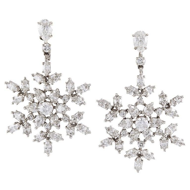 Harry Winston Diamant de Neige Diamond Snowflake Earrings For Sale