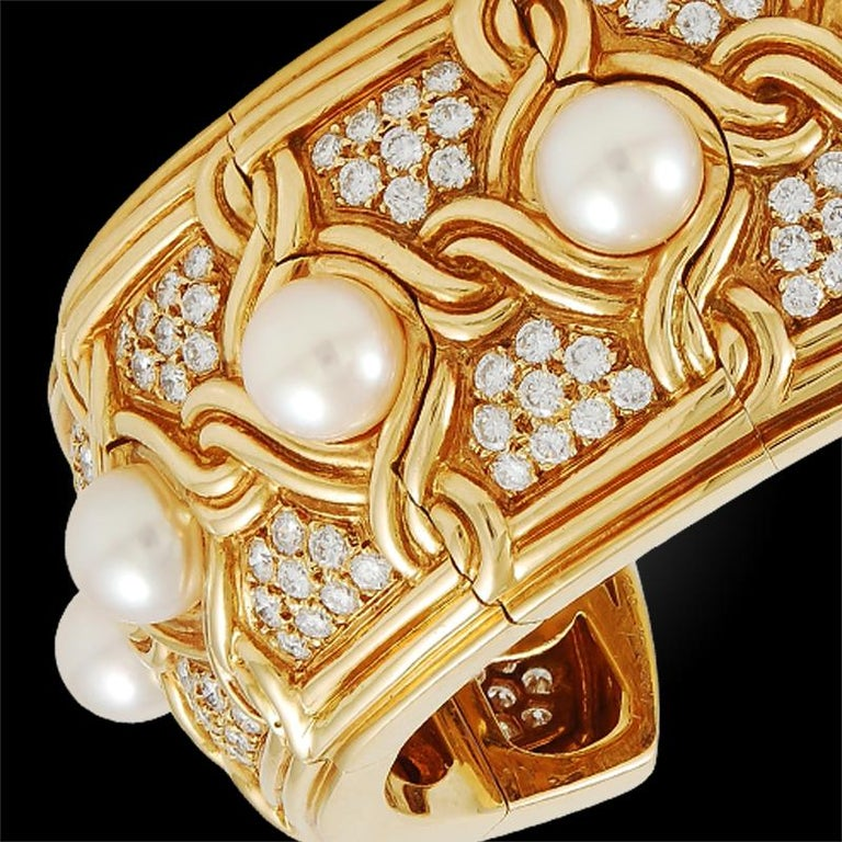 Women's Van Cleef & Arpels Diamond Pearl Gold Cuff Bangle For Sale