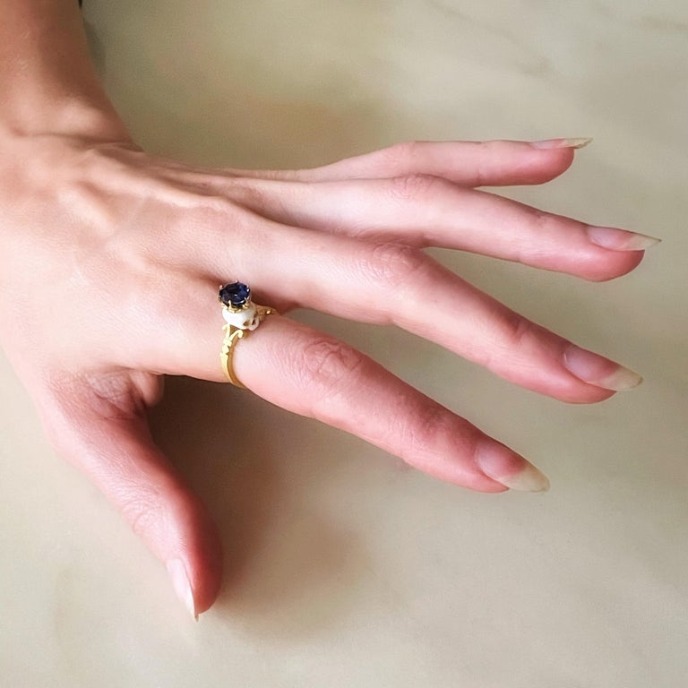 Catacomb Saint Skull Ring in 22 Karat Gold, Enamel and Violet Blue Sapphire For Sale 2