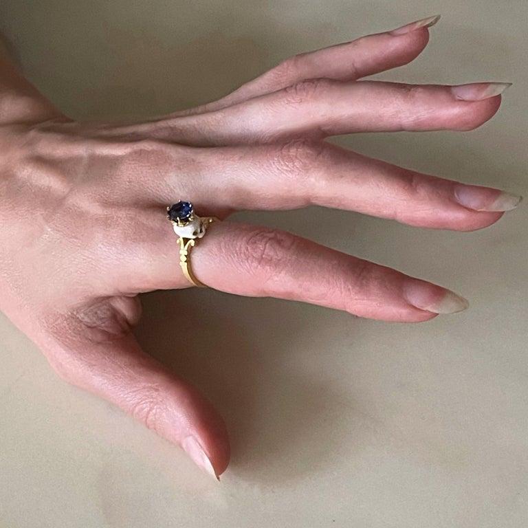 Catacomb Saint Skull Ring in 22 Karat Gold, Enamel and Violet Blue Sapphire For Sale 6