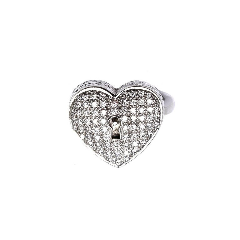 Round Cut Diamond Heart Locket and Key Victorian Poison Ring in 18 Karat Gold and Diamonds For Sale