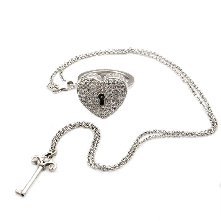 Diamond Heart Locket and Key Victorian Poison Ring in 18 Karat Gold and Diamonds For Sale 1