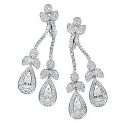 Tabbah Pear-Shaped and Round Diamond Drop 18 Karat White Gold Earrings