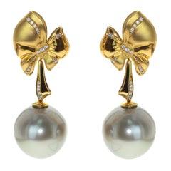 Diamond Mocca Color Tahiti Pearl 18 Karat Yellow Gold Bow Earrings