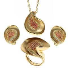 Diamond Multi-Color Sapphire 18 Karat Yellow Gold Ring Earrings Pendant Suite