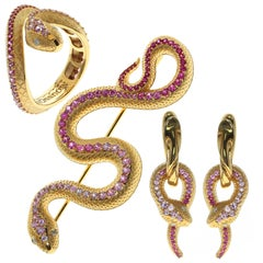 Pink Sapphire Diamonds 18 Karat Yellow Gold Snake Ring Earrings Brooch Suite