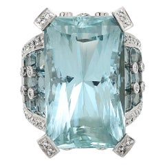 Certified 46 Carat Aquamarine and Diamond Ring Set in 18 Carat White Gold