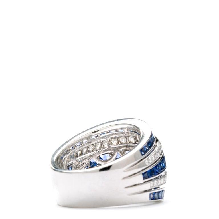 Women's Blue Sapphire 18 Karat White Gold Princess Ring For Sale