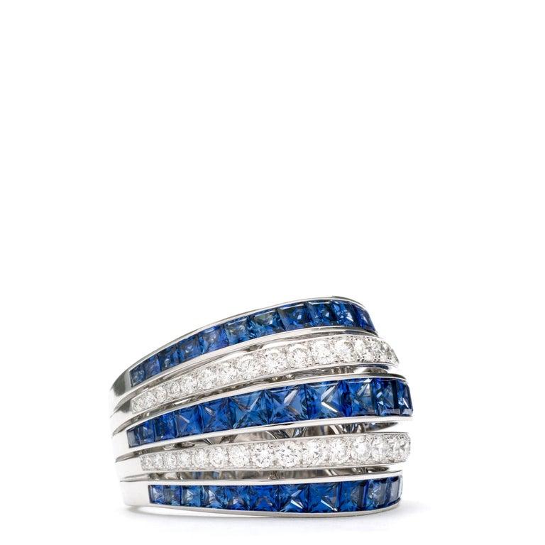 Blue Sapphire 18 Karat White Gold Princess Ring In New Condition For Sale In LA NEUVEVILLE, CH