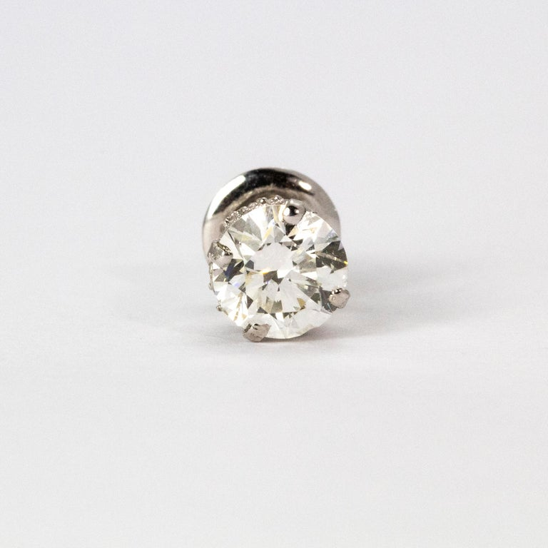 Art Deco Certified 1.94 Carat Diamond Platinum Stud Earrings In Good Condition For Sale In Chipping Campden, GB