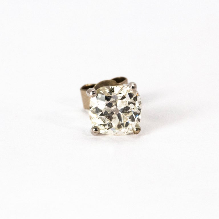 Art Deco Diamond Stud Earrings In Good Condition For Sale In Chipping Campden, GB