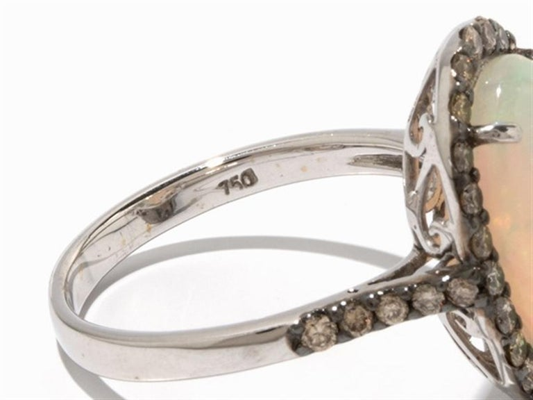 Brown Diamond Opal 18 Karat White Gold Cocktail Halo Ring In New Condition For Sale In Bad Kissingen, DE