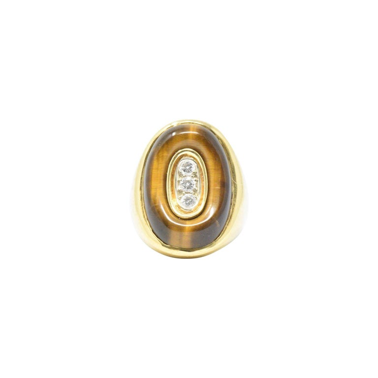 0.30 Carat Diamond Tiger's Eye and 18 Karat Gold Vintage Cocktail Ring In Good Condition For Sale In Philadelphia, PA