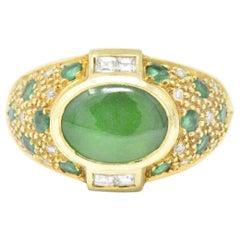 Jade Emerald 0.30 Carat Diamond and 18 Karat Gold Ring, circa 1970s