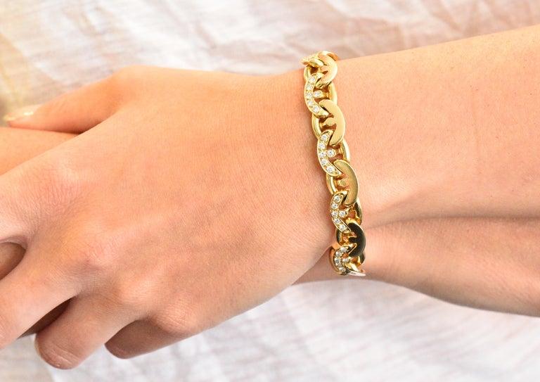 Bulgari Contemporary 2.10 Carat Diamond 18 Karat Gold Link Bracelet For Sale 3