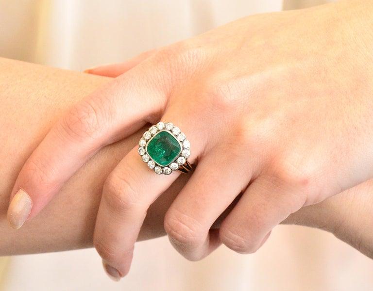 Victorian 4.85 Carat Emerald Diamond Silver-Topped 14 Karat Gold Ring circa 1880 For Sale 2