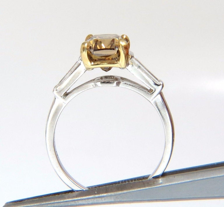 GIA Certified 2.59 Carat Fancy Yellow Brown Diamond Ring Platinum In New Condition For Sale In New York, NY