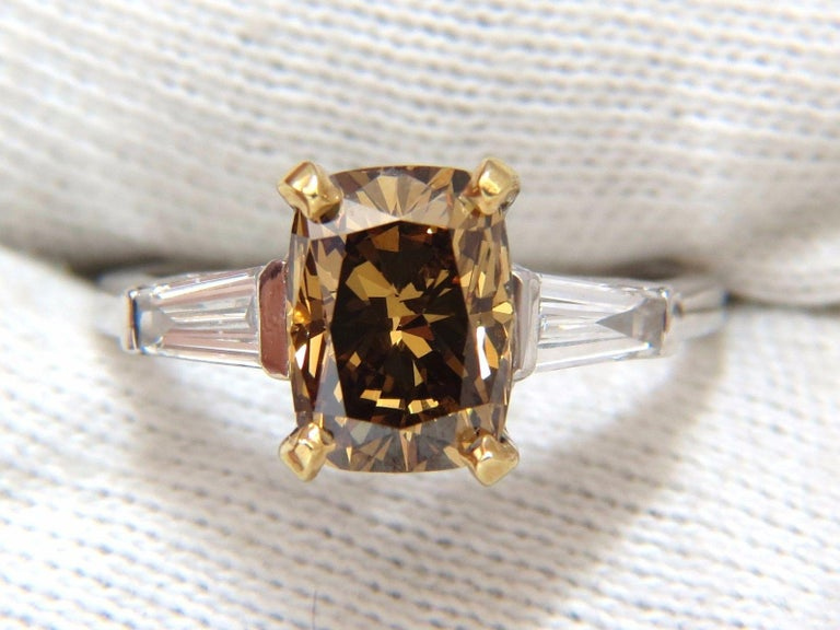 Women's or Men's GIA Certified 2.59 Carat Fancy Yellow Brown Diamond Ring Platinum For Sale