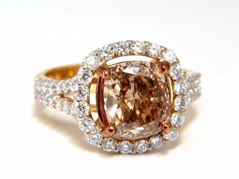 GIA Certified 2.99 Carat Fancy Brown Yellow Diamond Ring Halo Cluster 18 Karat In New Condition For Sale In New York, NY