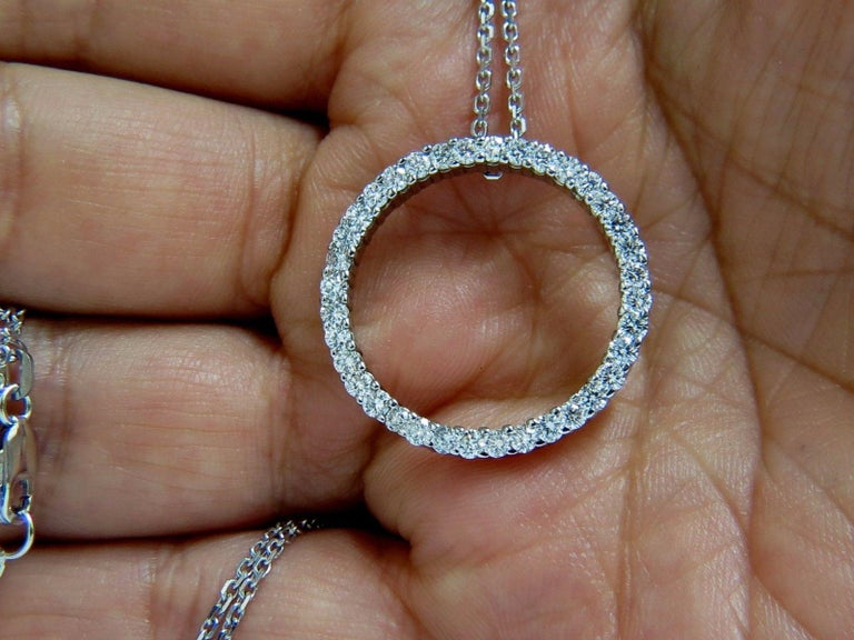 Circle Diamond Necklace 1.50 Carat 14 Karat G/Vs Rounds In New Condition For Sale In New York, NY