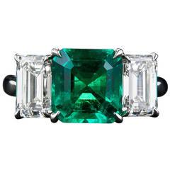 Fine 2.75 Carat Emerald Diamond Platinum Ring