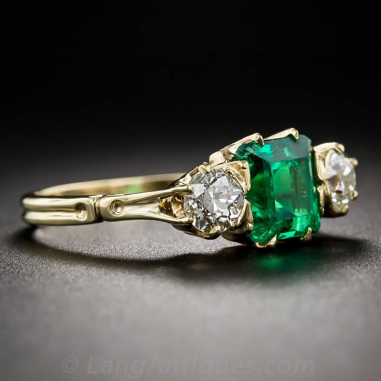 Antique Victorian Emerald Diamond Ring In Excellent Condition For Sale In San Francisco, CA