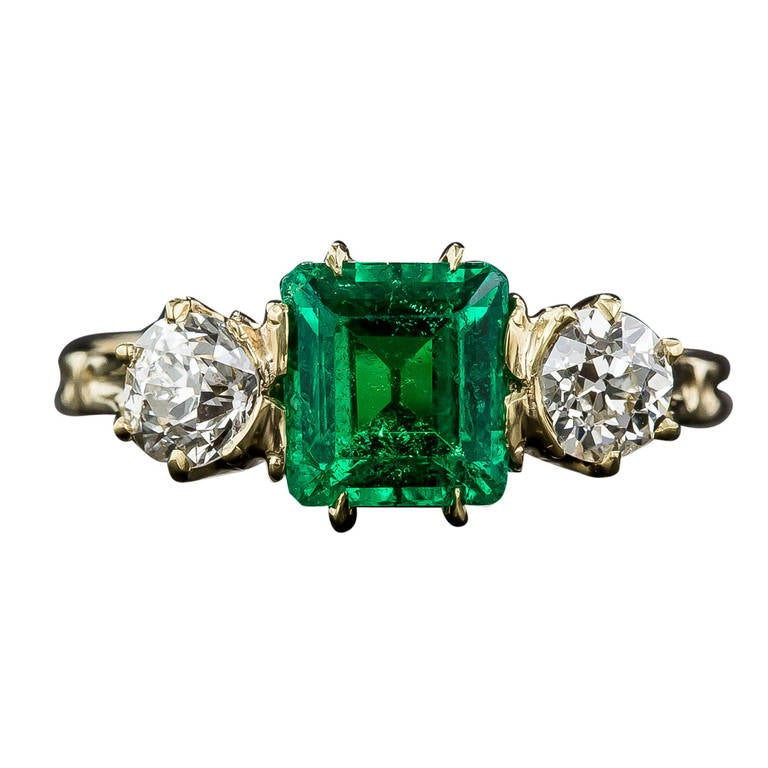 Antique Victorian Emerald Diamond Ring For Sale