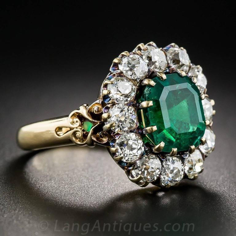 Victorian 2.75 Carat Emerald Diamond Gold Cluster Ring 3