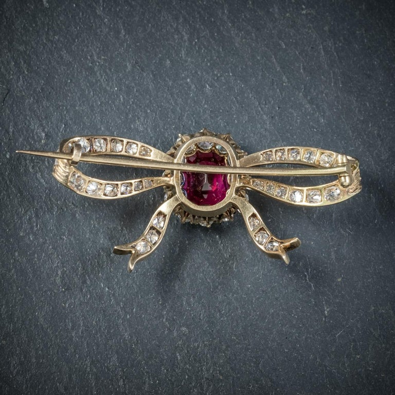 Women's Antique Edwardian Diamond Ruby Brooch 18 Carat Gold, circa 1910 For Sale