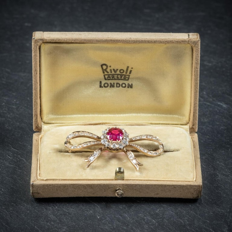 Antique Edwardian Diamond Ruby Brooch 18 Carat Gold, circa 1910 For Sale 4