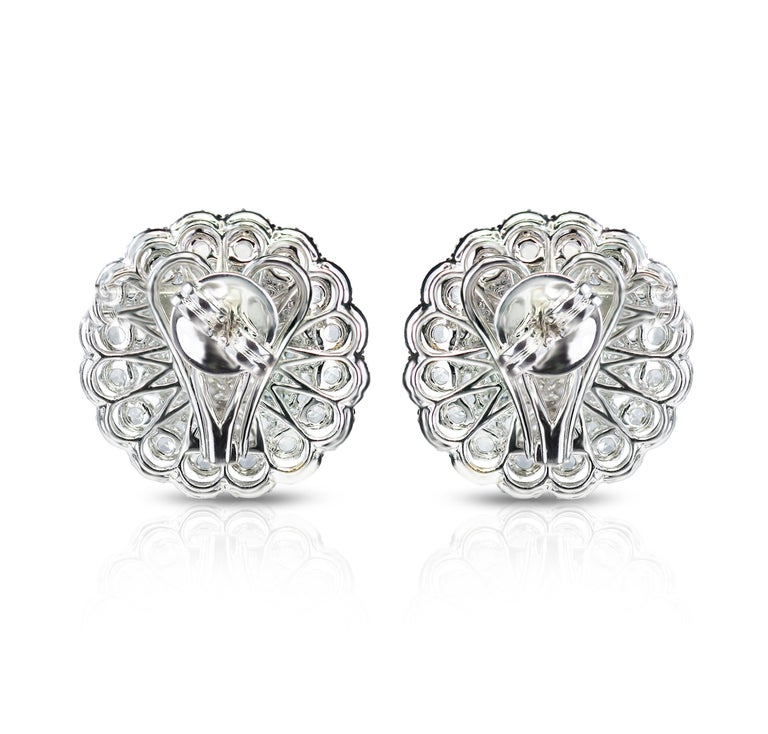 Studio Rêves 18 Karat White Gold and Rose Cut Floral Cluster Stud Earrings In New Condition For Sale In Mumbai, Maharashtra