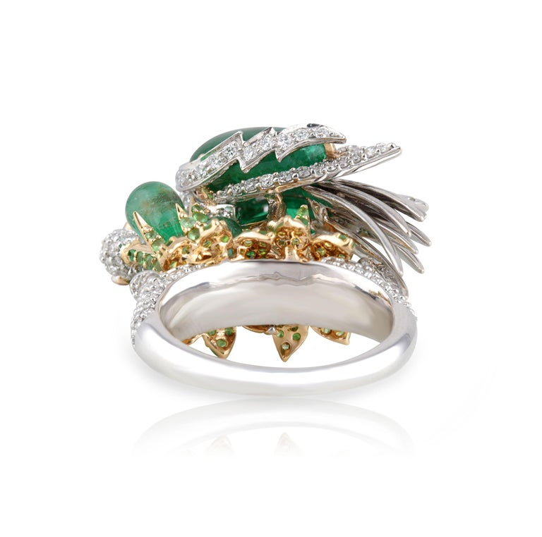 Women's Studio Rêves Crane Ring in 18K Gold and Diamonds with Emeralds and Tsavorites For Sale