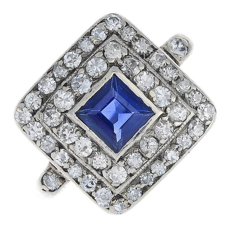 Art Deco Gold Sapphire and Diamond Cluster Ring