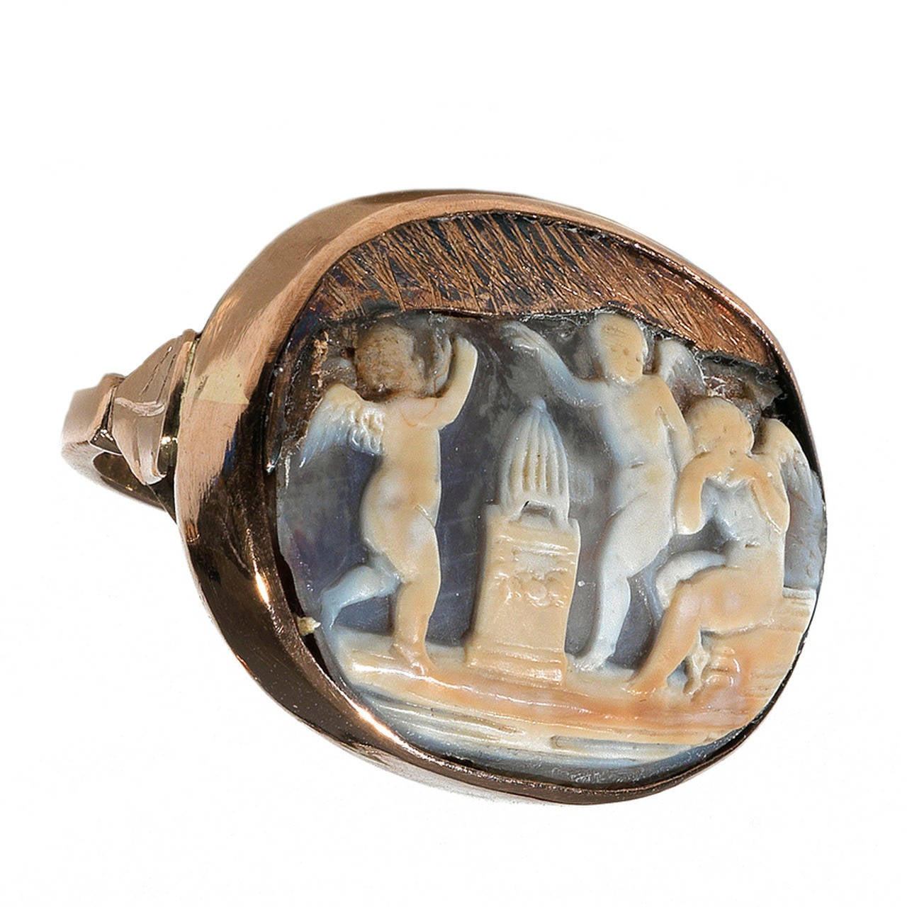 Italian Neoclassical Cameo Gold Putti Ring, circa 1820 For Sale