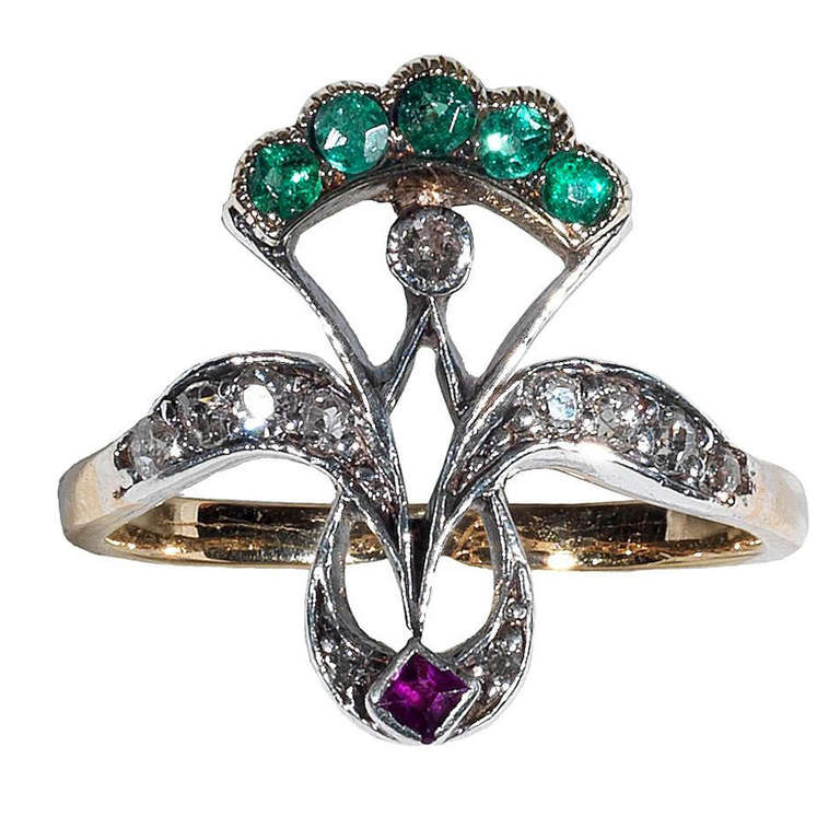 An Antique Emerald Ruby Diamond Ring 1