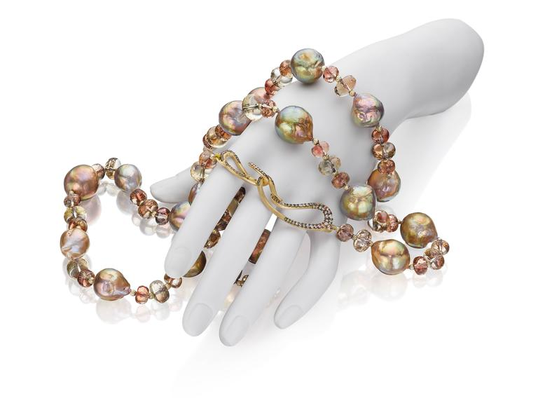 Naomi Sarna Pearl Sunstone Diamond Gold Necklace In New Condition For Sale In New York, NY