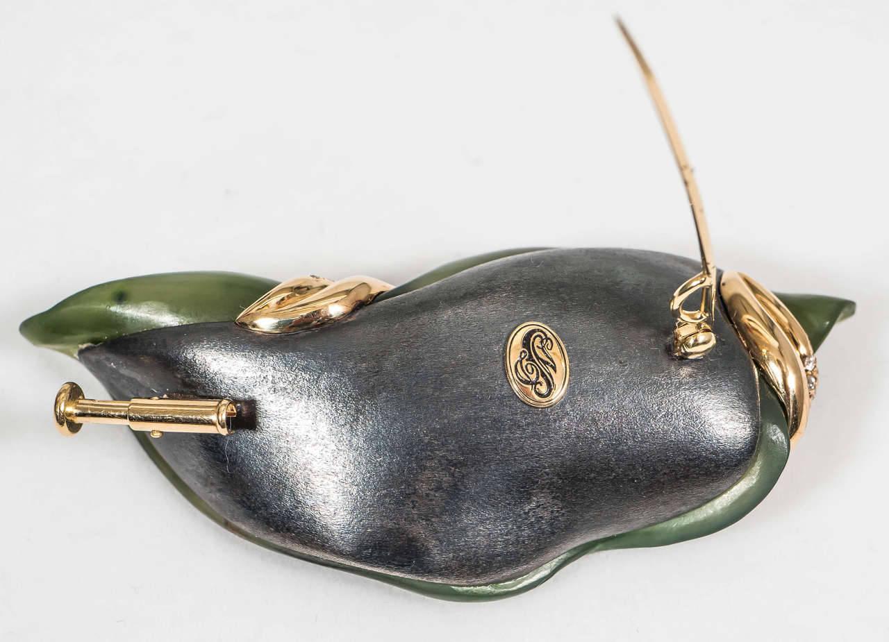 Naomi Sarna Hand-Carved Nephrite Jade Diamond Gold Brooch For Sale 2