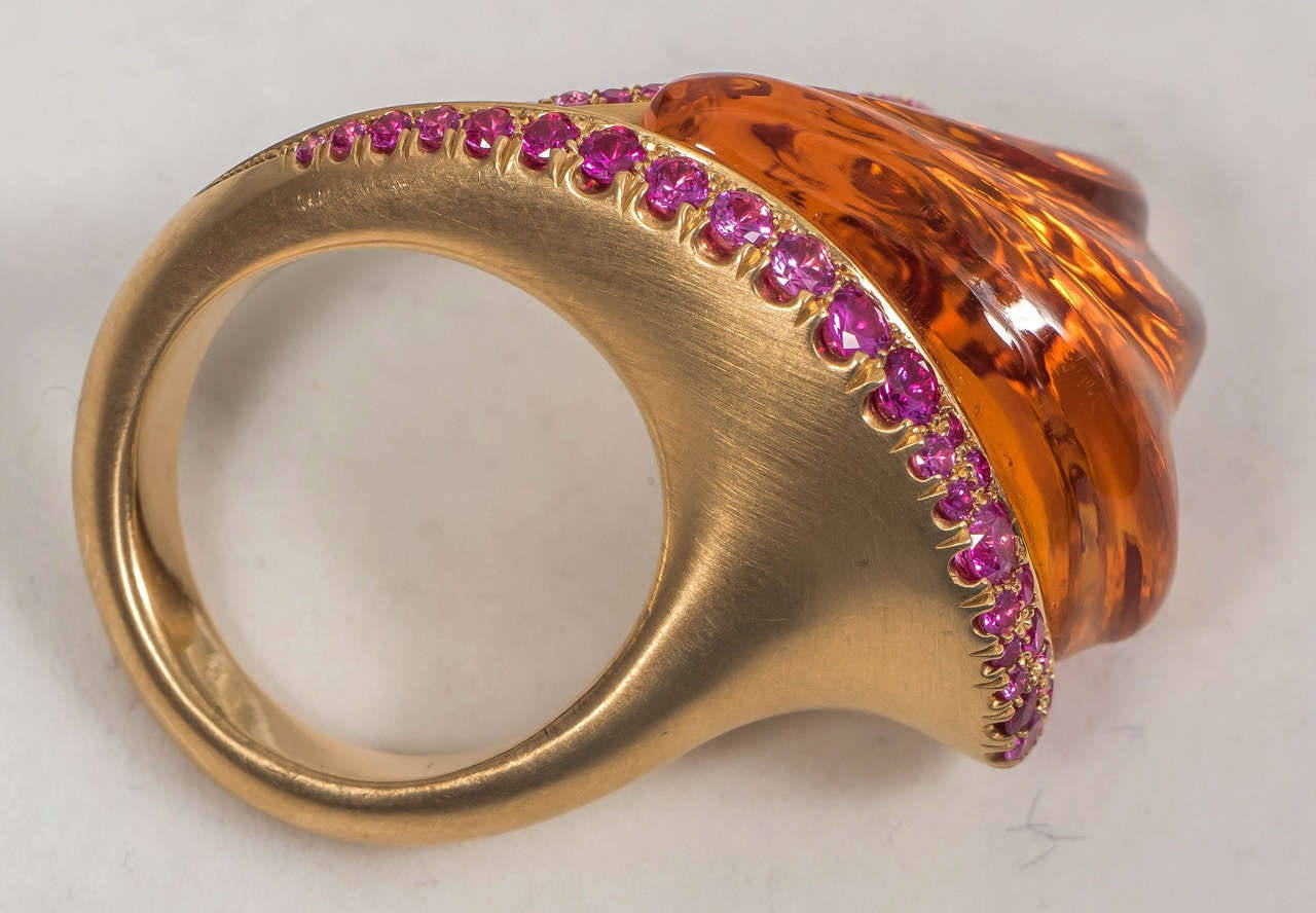 Naomi Sarna Hand-Carved Citrine Pink Sapphire Gold Ring For Sale 3