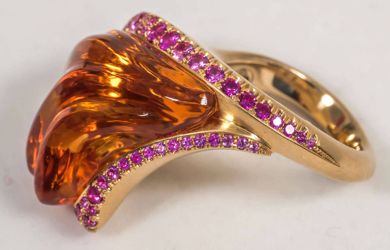 Naomi Sarna Hand-Carved Citrine Pink Sapphire Gold Ring For Sale 1