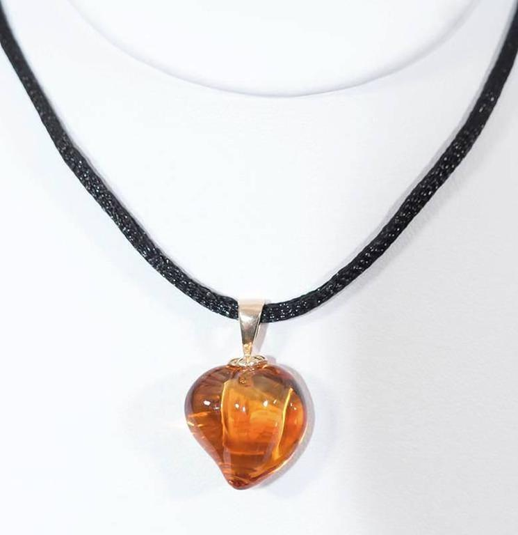 Naomi Sarna Carved Citrine Heart Pendant In New Condition For Sale In New York, NY