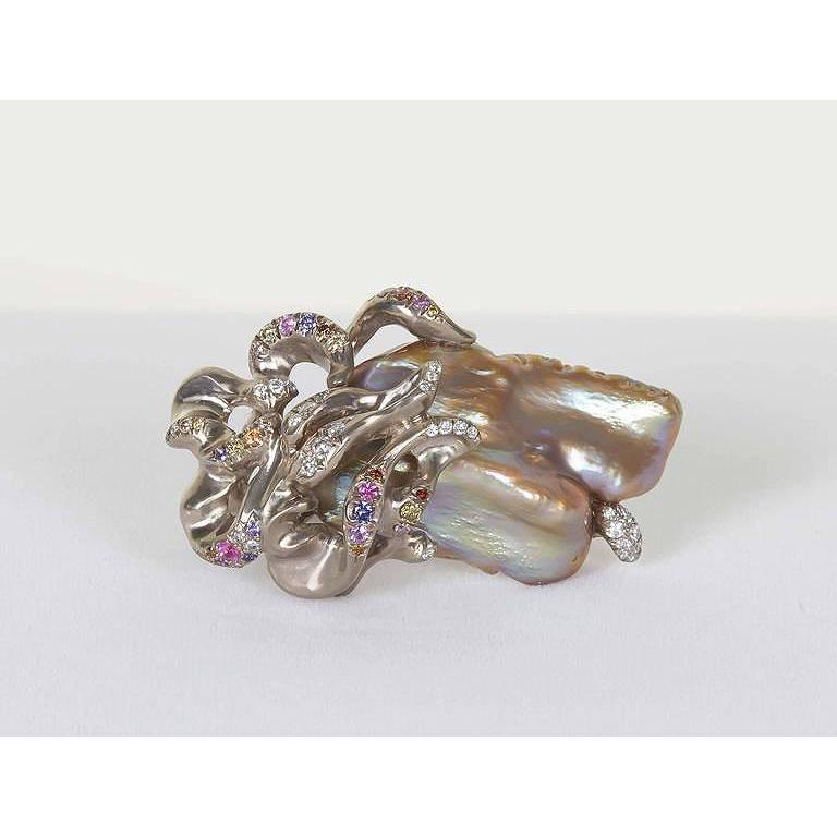 Naomi Sarna Freshwater Pearl Diamond Sapphire Gold Ring For Sale 4