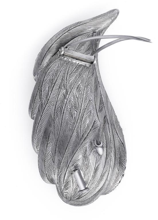 Women's or Men's Naomi Sarna Aquamarine Diamond Gold Brooch For Sale