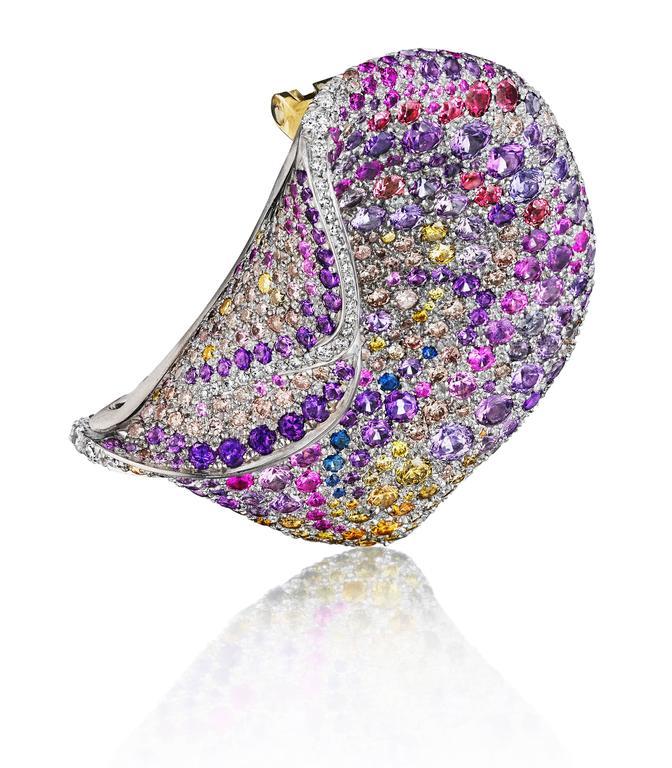Women's Naomi Sarna Multicolored Sapphire Amethyst Diamond Gold Petal Brooch For Sale