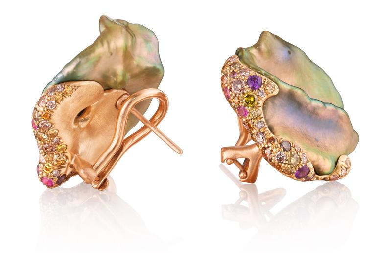 Natural color Chinese freshwater pearl earrings set in 18K yellow gold with  multicolored diamonds, sapphires and amethysts.  Internationally award winning designer Naomi Sarna creates gem carvings and jewels of unusual beauty. She is represented