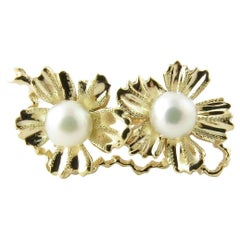 14 Karat Yellow Gold and Cultured Pearl Pin or Clip