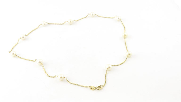 14 Karat Yellow Gold and Pearl Necklace For Sale 5