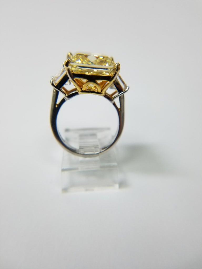 GIA Certified 11.11 carats Princess Cut Fancy Yellow VS1 Diamond Ring For Sale 1