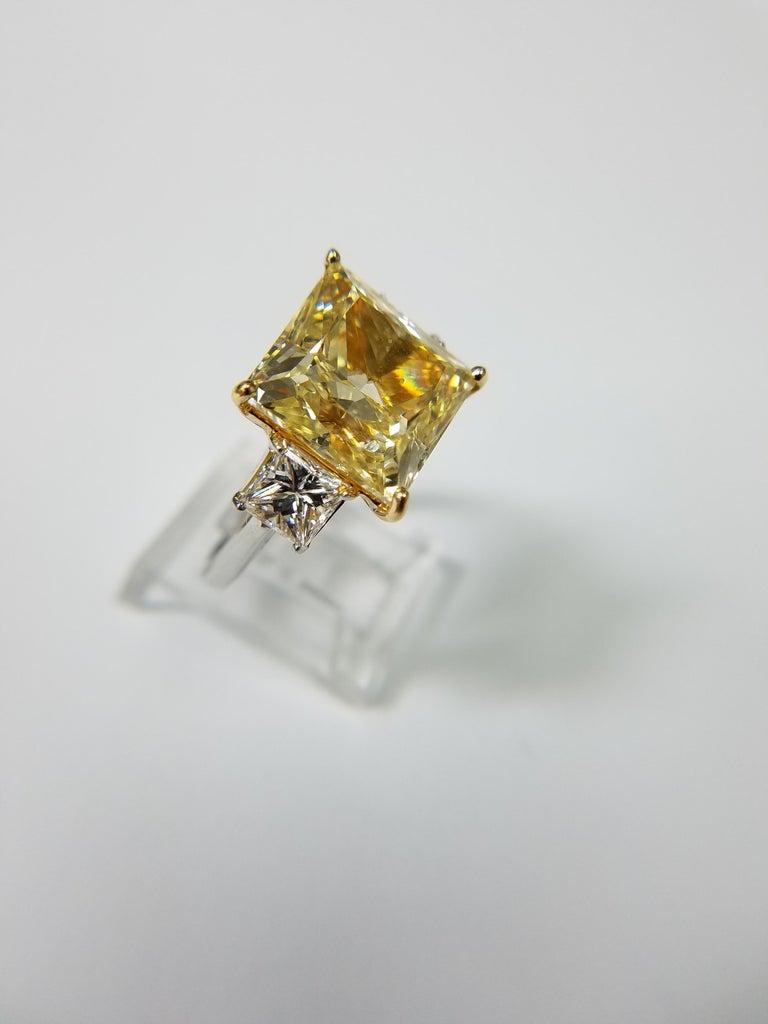 Women's GIA Certified 11.11 carats Princess Cut Fancy Yellow VS1 Diamond Ring For Sale