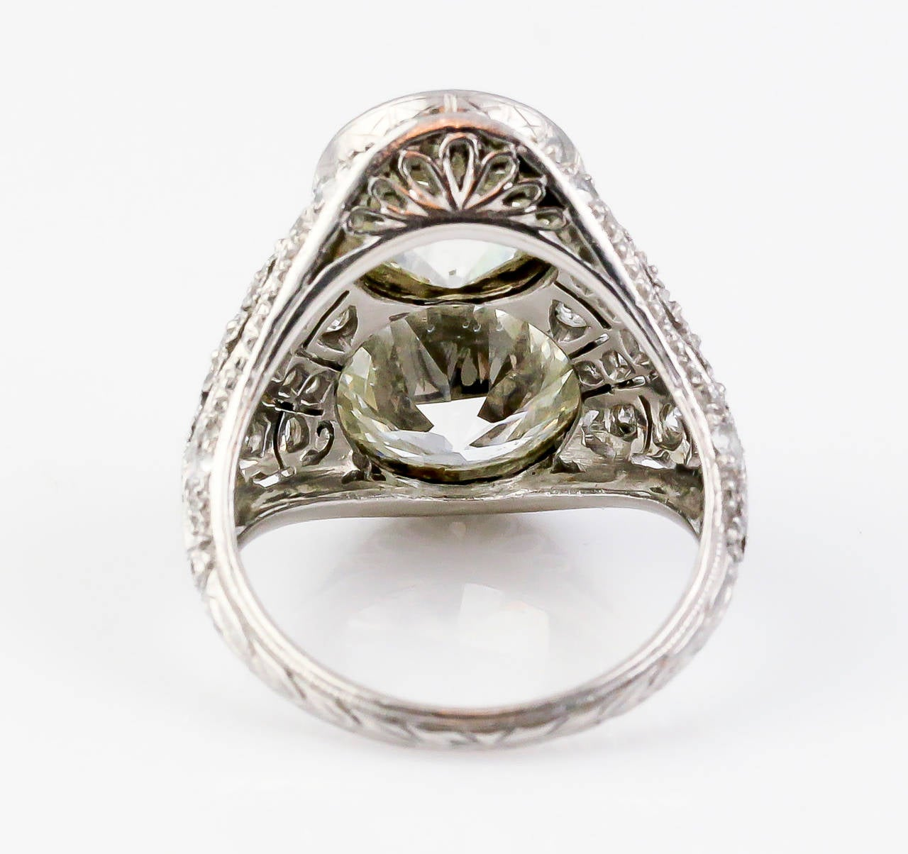 Art Deco Diamond Platinum Two-Stone Cocktail Ring For Sale 1